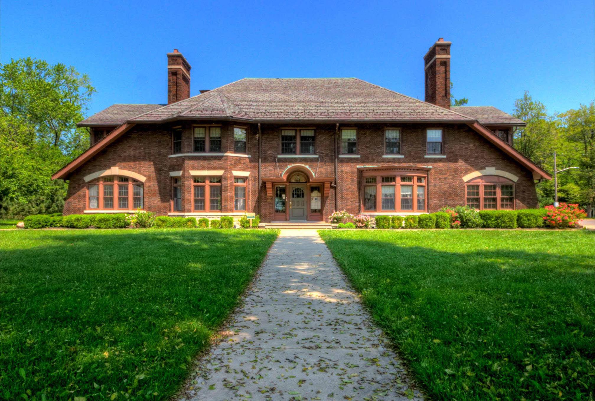 Henn Mansion
